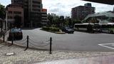バス、タクシーのターミナルが目の前です