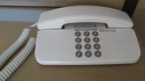 部屋の内線電話