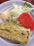 卵焼き&サラダです。