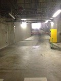 地下駐車場写真です。