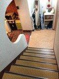 2F への階段です。