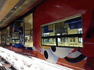 大阪ならではのUSJ電車に乗りましょう!