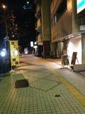 ホテルを背中にして、右方向に歩いていくと、天王寺駅になります。