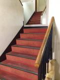 1F階段写真です。