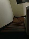 4Fからの階段写真です。