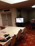朝食会場にはテレビがあります。