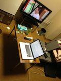 部屋の机写真です。