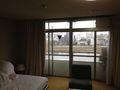 ホテル部屋 窓写真です。