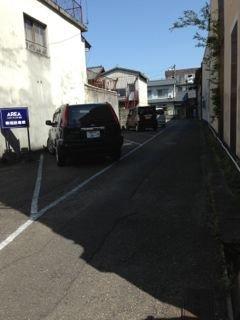 旅館 駐車場です。