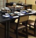 食事は和室に椅子を準備していただきました。
