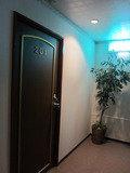 廊下側から部屋の入り口です。