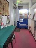 ロビーには自動販売機とオルガン?がありました。