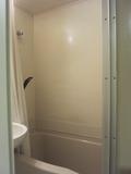 お風呂の壁もきれいでした。