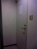 部屋側から部屋ドアです。