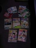 ベッド横の机の中の1番下にはたくさん本がありました。