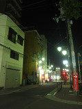 鶴ヶ丘駅からホテルホテルへの道です。