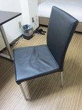 部屋には1つ椅子がありました。