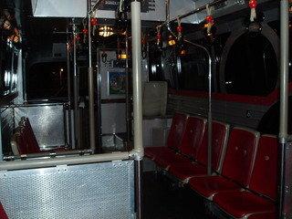 オフィシャル特典の送迎バス