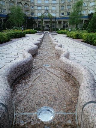 アリスの庭(水流)