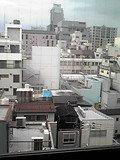 窓の外には高い建物がなくいい眺望です