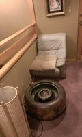 廊下に趣きのある火鉢がありました