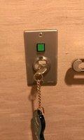 部屋の照明スイッチははキーを差し込むタイプです