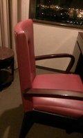 部屋の椅子です