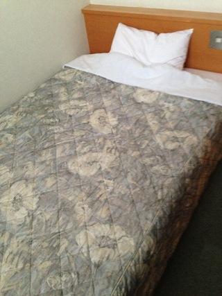 シングルルームベッド