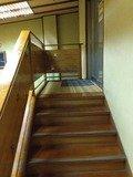 脱衣所から浴室へは階段で上がります