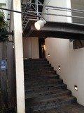 ホテル入口の階段