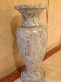 ロビーの大型陶器