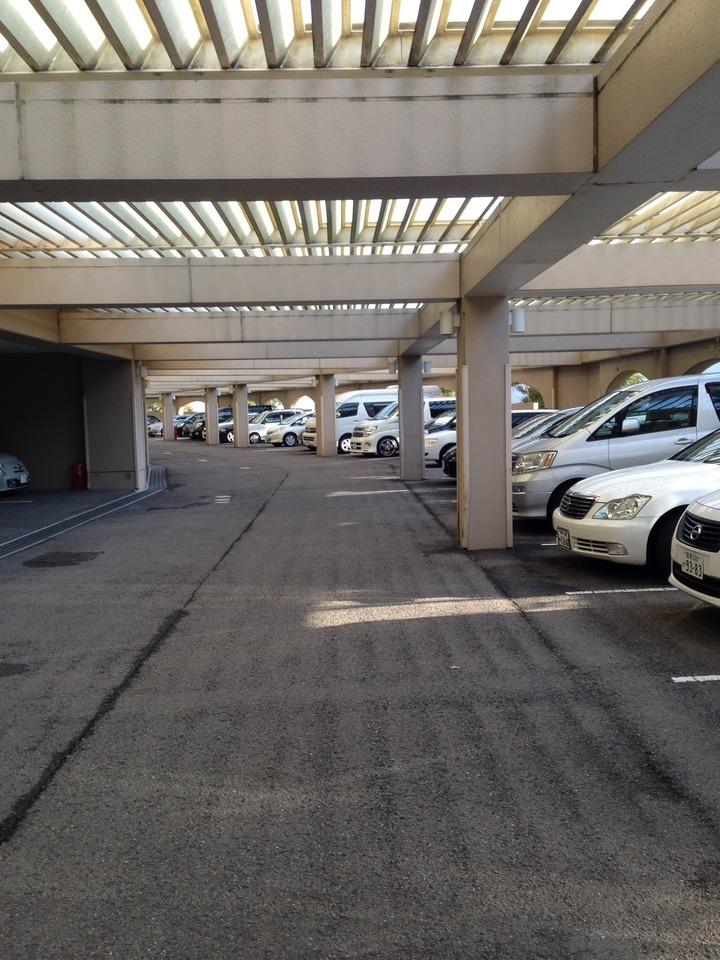 グランドエクシブ屋根付き駐車場