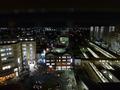 窓からはJR草津駅のホームに立っている人まで見えます!