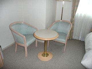 デラックスツイン テーブルとイス