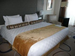 ザ・クラブダブル ベッド