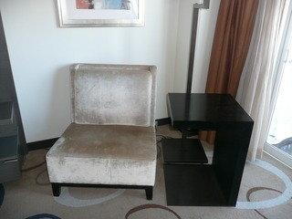 ザ・クラブダブル 一人用ソファとサイドテーブル