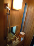 部屋露天のシャワー室