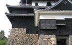 近くの松江城
