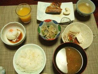 大人用の朝食です