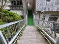 露天風呂へ続く階段