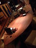 魚型のテーブル