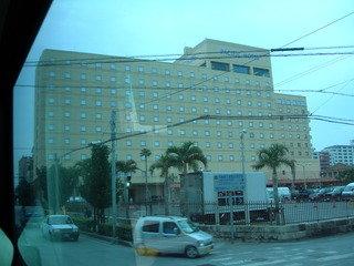 パシフィックホテル沖縄の外観。
