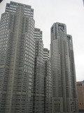 ホテルの目の前に東京都庁。