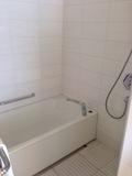 シャワーと別のバスタブ!