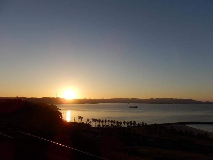千里ヶ浜の朝日