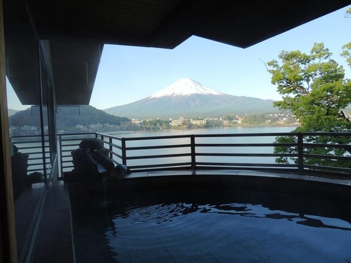 富士山と温泉、日本人の「大好き」を満たしてくれる宿