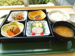 東京海員会館の朝食