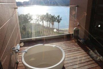 写真クチコミ:部屋の露天風呂から弓ヶ浜が見える