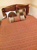 ツインルームのメインベッド