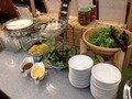 朝食バイキングサラダコーナー